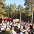 Publik i solsken